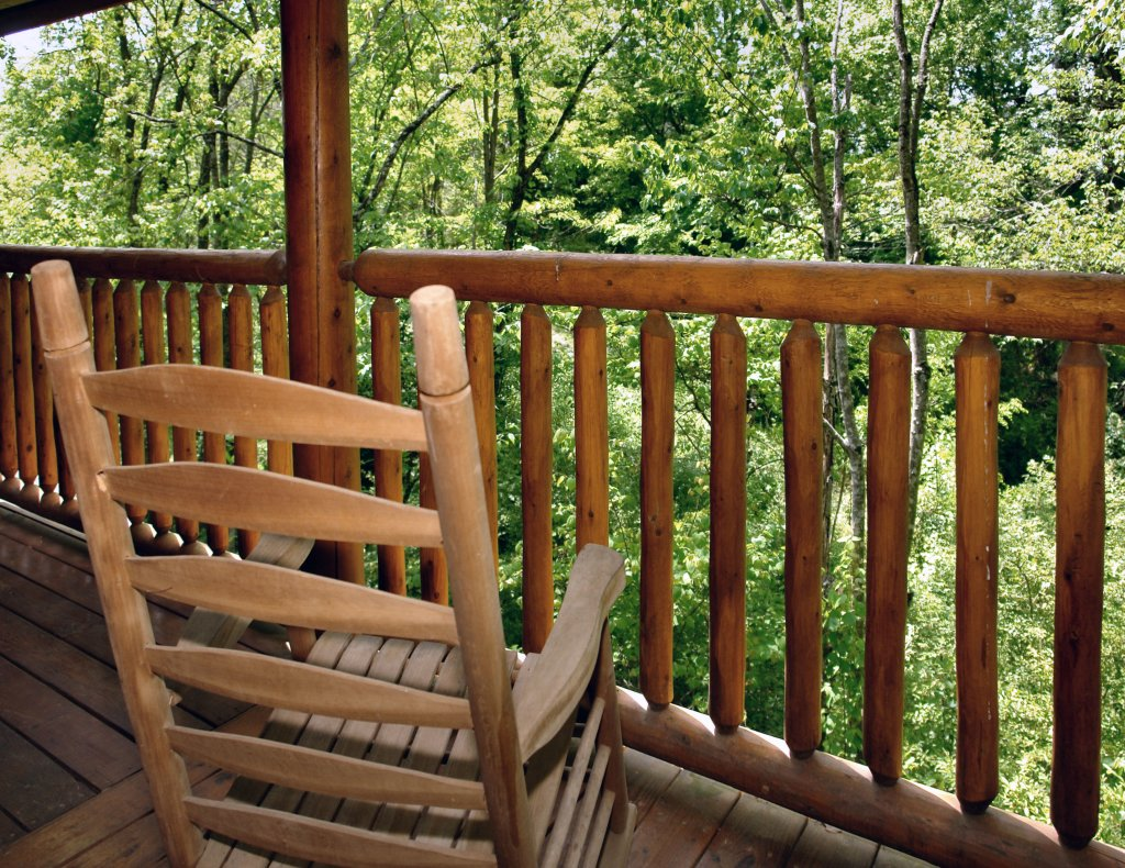 Photo of a Pigeon Forge Cabin named Skinny Dippin' #261 - This is the eighteenth photo in the set.