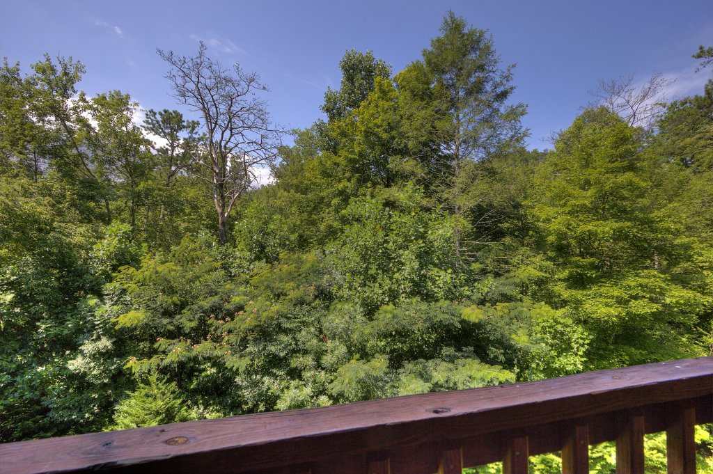 Photo of a Gatlinburg Cabin named Majestic Waters #575 - This is the thirty-eighth photo in the set.