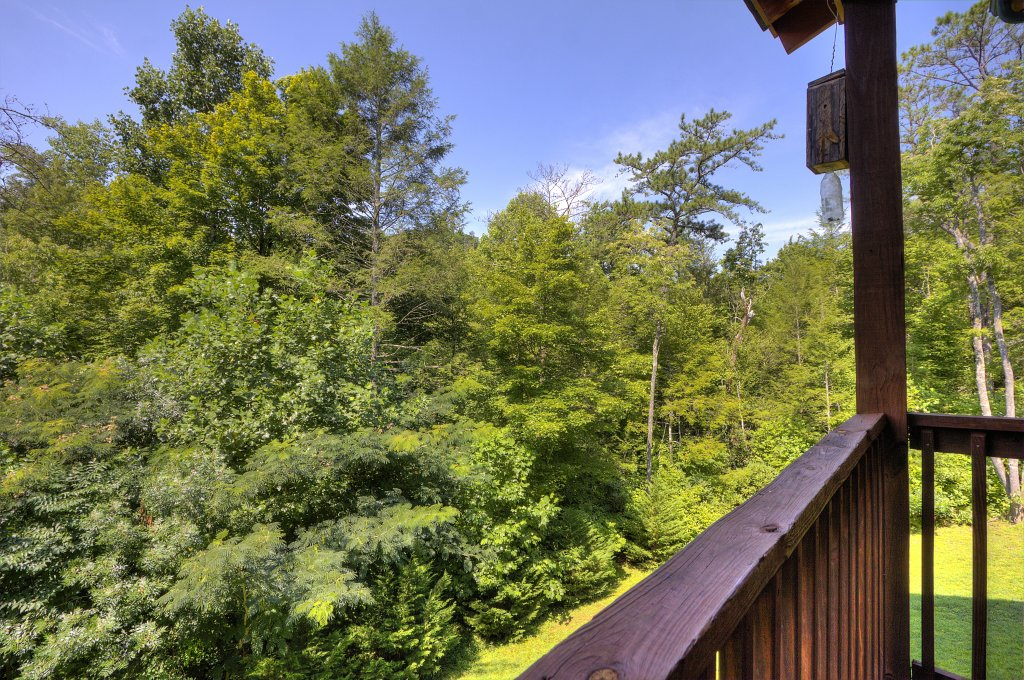 Photo of a Gatlinburg Cabin named Majestic Waters #575 - This is the forty-second photo in the set.