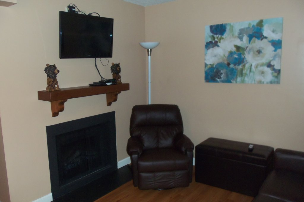 Photo of a Gatlinburg Condo named 403 - This is the first photo in the set.