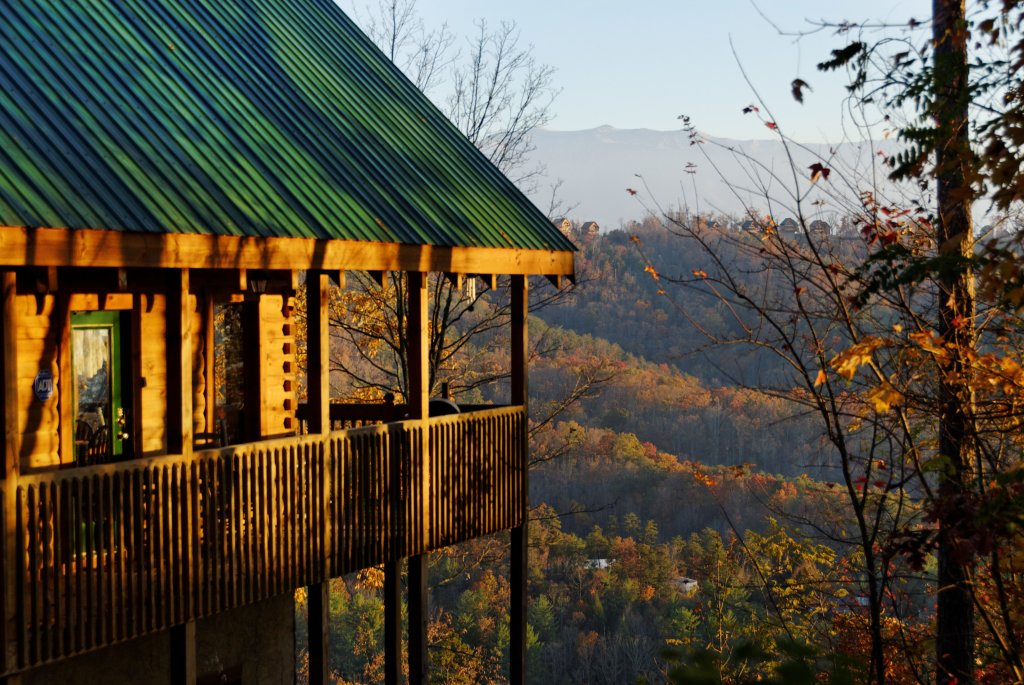 Photo of a Pigeon Forge Cabin named A View For All Seasons #405 - This is the twenty-seventh photo in the set.