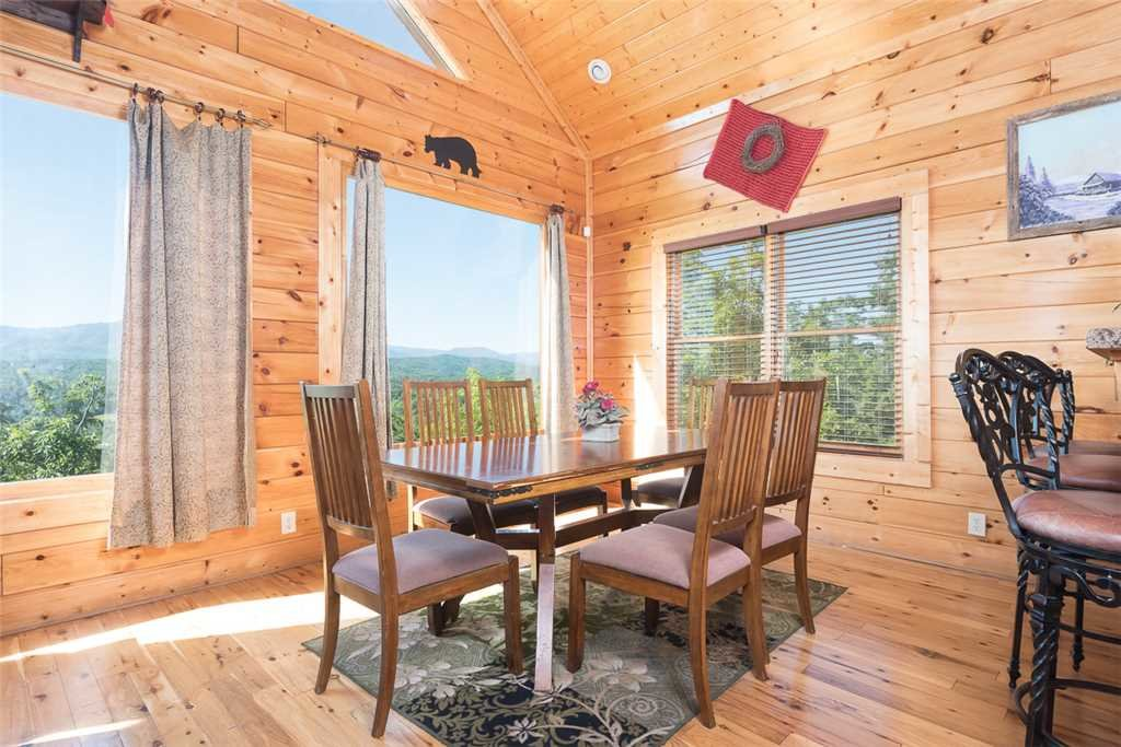 Photo of a Pigeon Forge Cabin named The Grand Legacy - This is the third photo in the set.