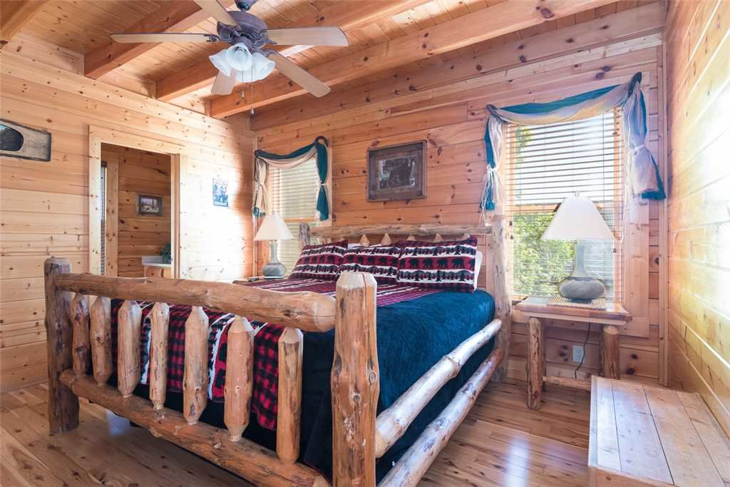 Photo of a Pigeon Forge Cabin named The Grand Legacy - This is the ninth photo in the set.