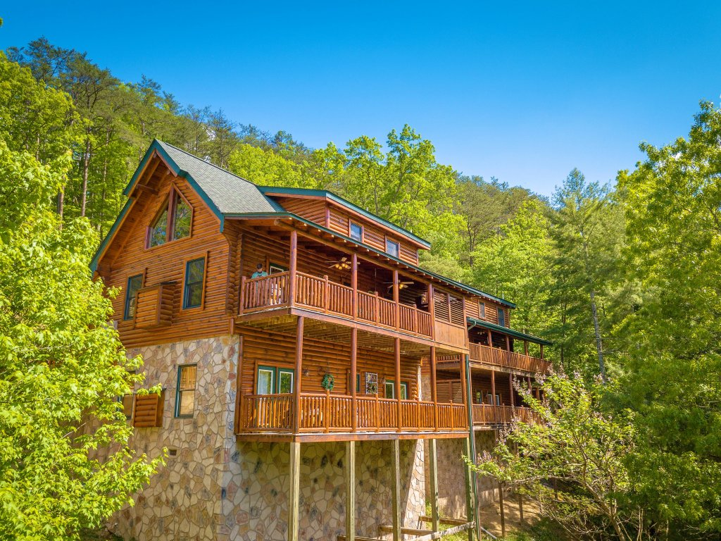 Photo of a Gatlinburg Cabin named Knockin' On Heaven's Door - This is the twenty-second photo in the set.