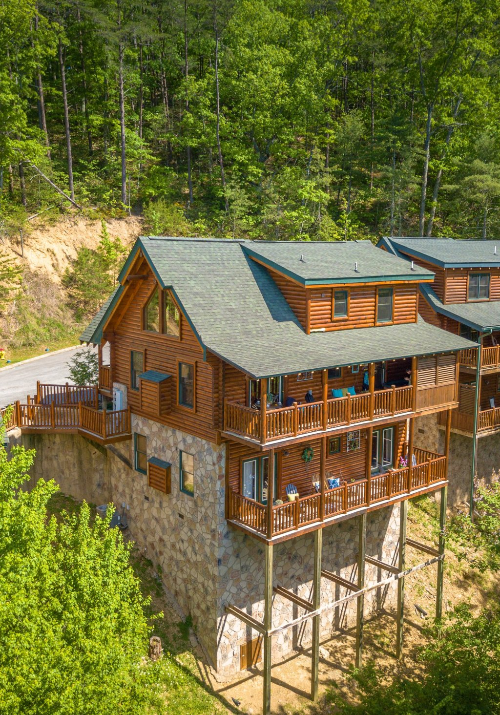 Photo of a Gatlinburg Cabin named Knockin' On Heaven's Door - This is the forty-eighth photo in the set.