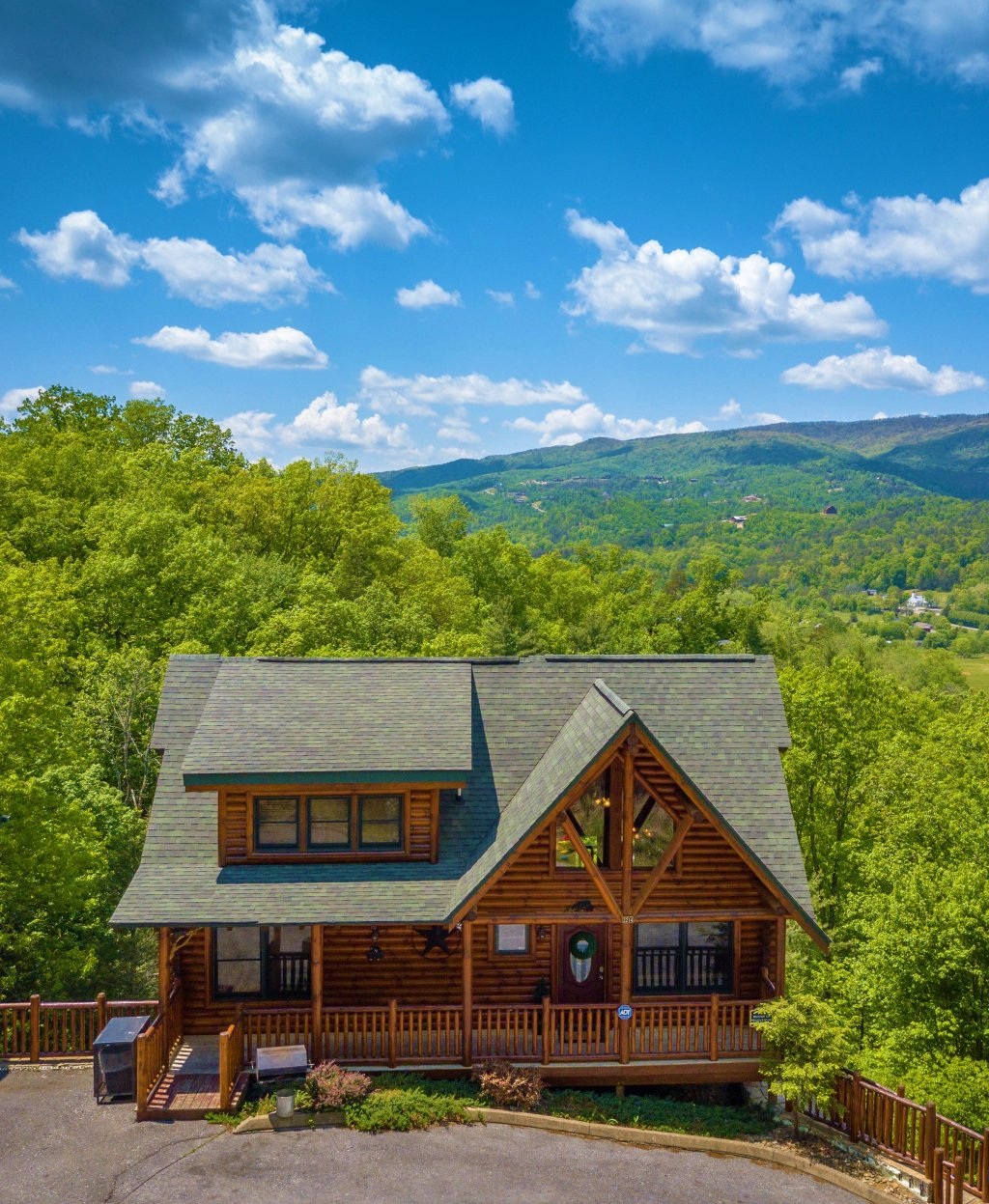 Photo of a Gatlinburg Cabin named Knockin' On Heaven's Door - This is the forty-ninth photo in the set.