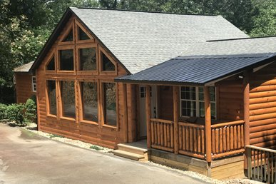 New 4 Bedroom Smoky Mountain Cabin With Home Theater Room, Sauna And Games!