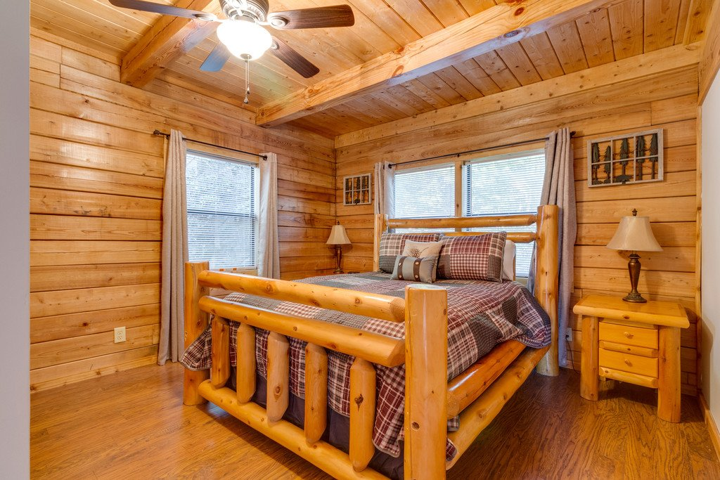 Photo of a Pigeon Forge Cabin named Scenic Hideaway - This is the eighteenth photo in the set.