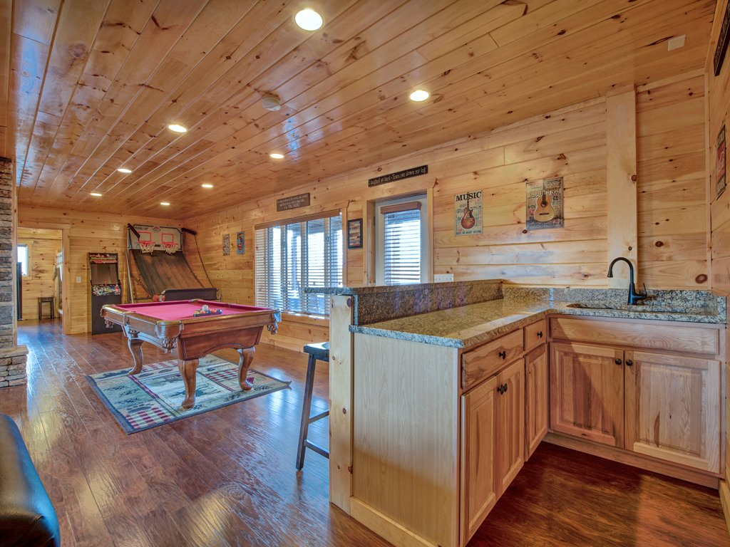 Photo of a Gatlinburg Cabin named Parkside Lodge - This is the fourteenth photo in the set.