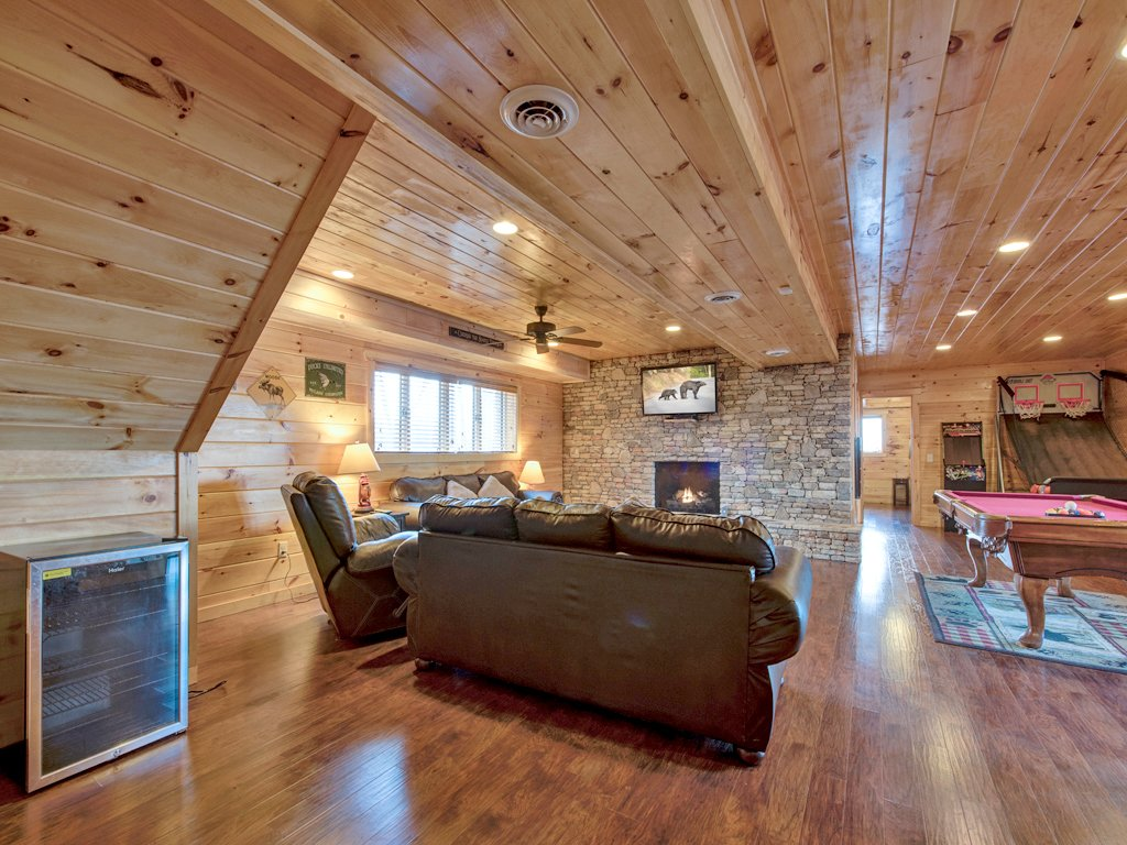 Photo of a Gatlinburg Cabin named Parkside Lodge - This is the thirteenth photo in the set.