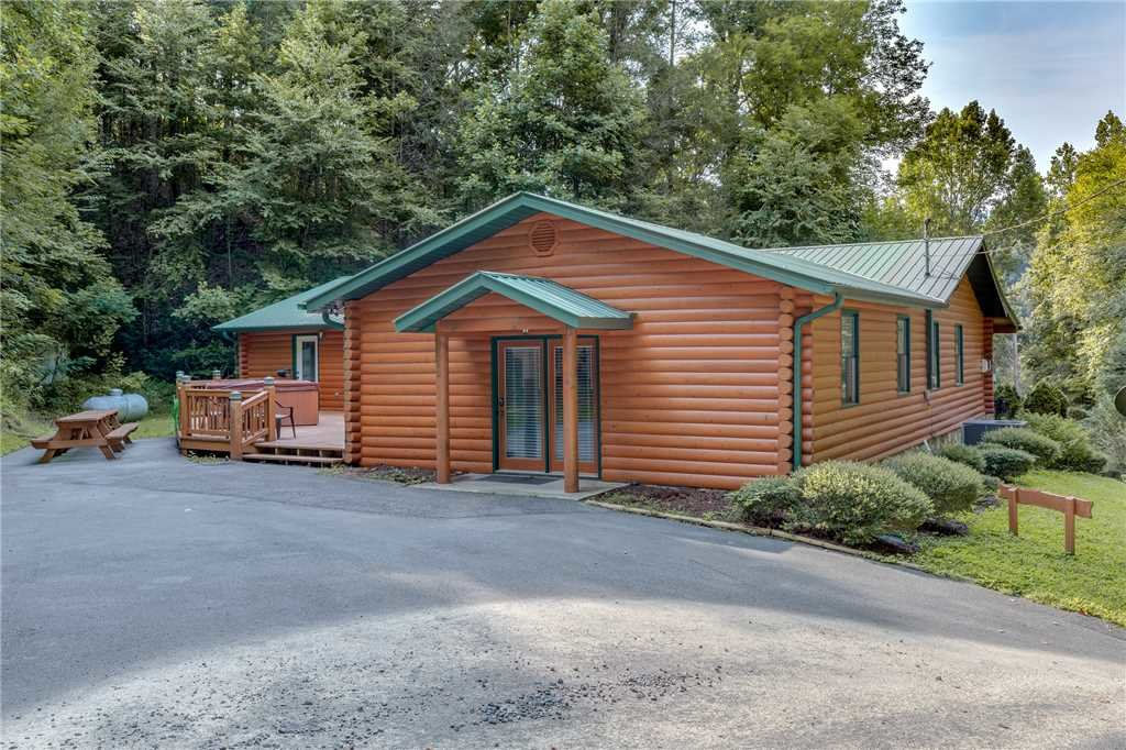 Photo of a Gatlinburg Cabin named A Bear Creek - This is the twenty-second photo in the set.