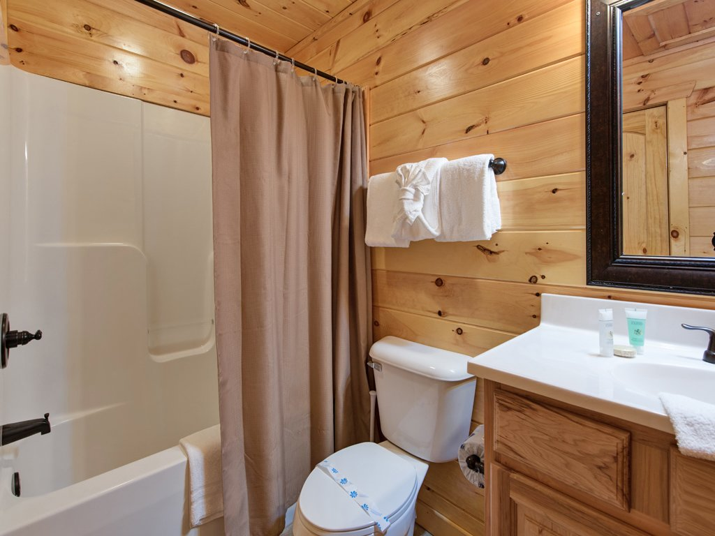 Photo of a Gatlinburg Cabin named Parkside Lodge - This is the twenty-first photo in the set.
