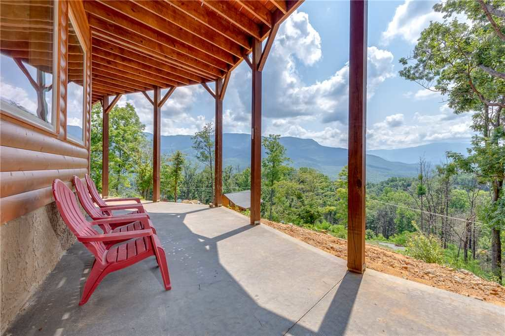 Photo of a Gatlinburg Cabin named Eagles View - This is the twenty-seventh photo in the set.