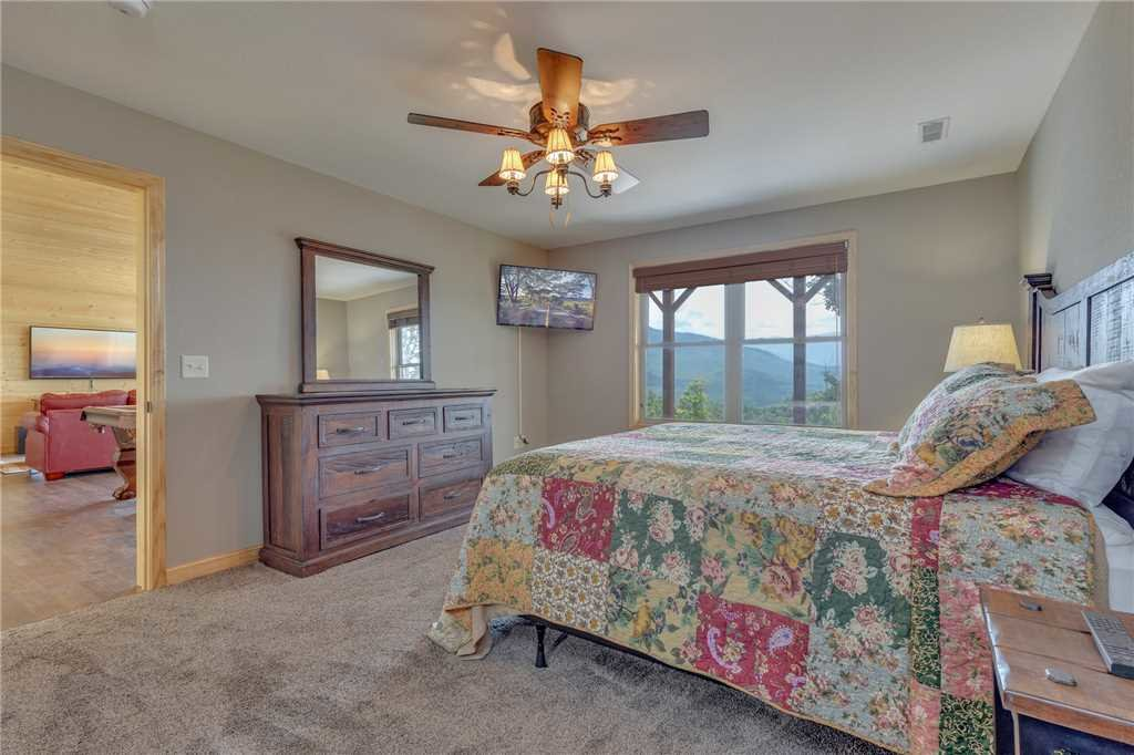 Photo of a Gatlinburg Cabin named Eagles View - This is the twenty-second photo in the set.