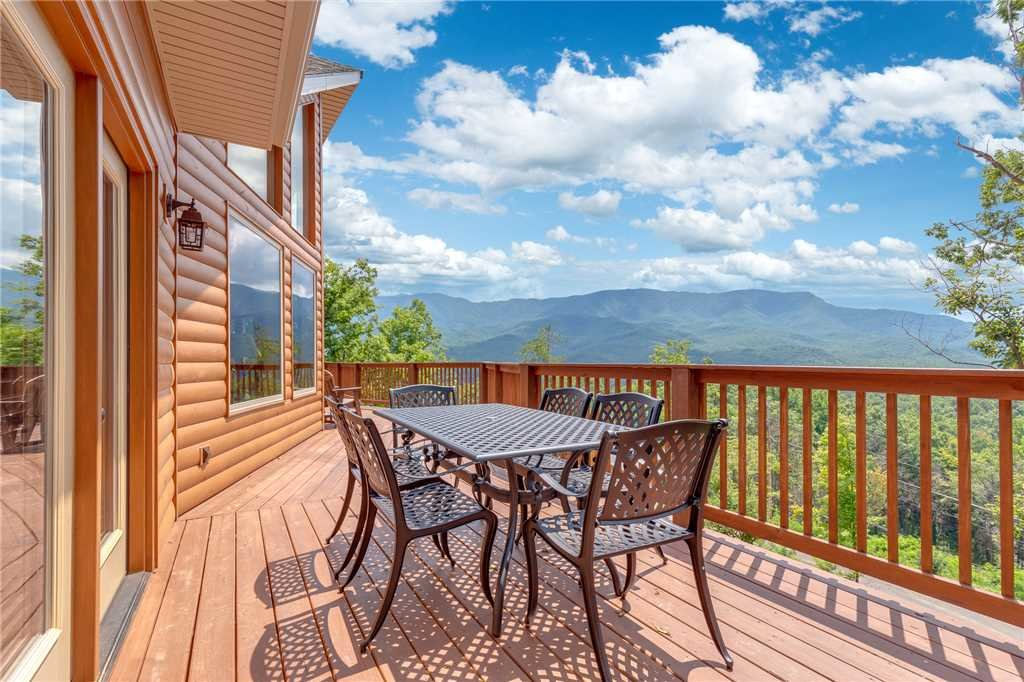 Photo of a Gatlinburg Cabin named Eagles View - This is the twenty-fifth photo in the set.
