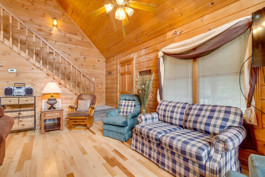 Photo of a Gatlinburg Cabin named Mountain Majesty Sky Harbor - This is the seventh photo in the set.