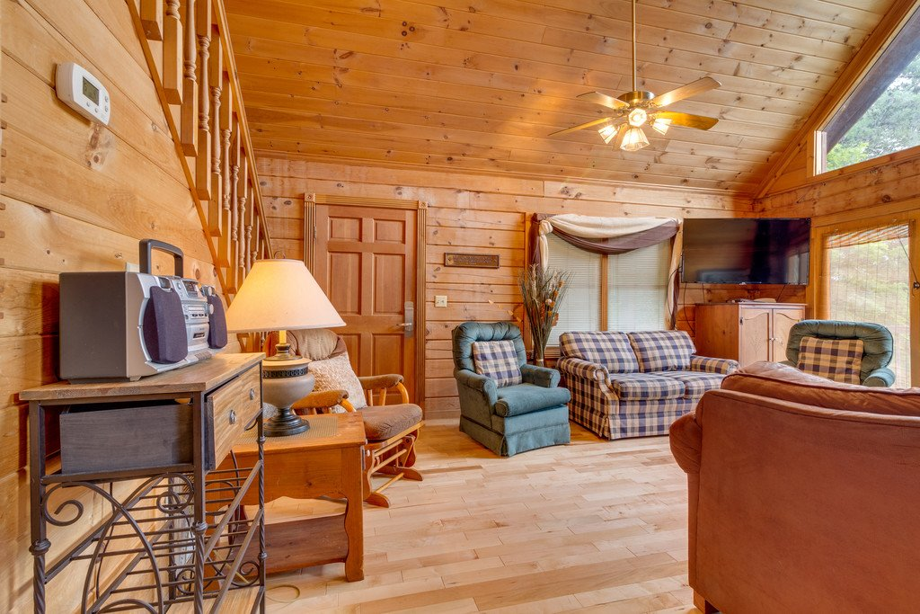 Photo of a Gatlinburg Cabin named Mountain Majesty Sky Harbor - This is the eighth photo in the set.