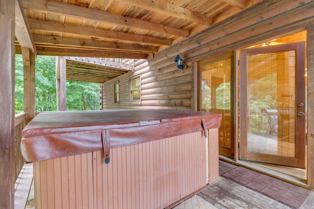 Photo of a Gatlinburg Cabin named Mountain Majesty Sky Harbor - This is the twenty-ninth photo in the set.