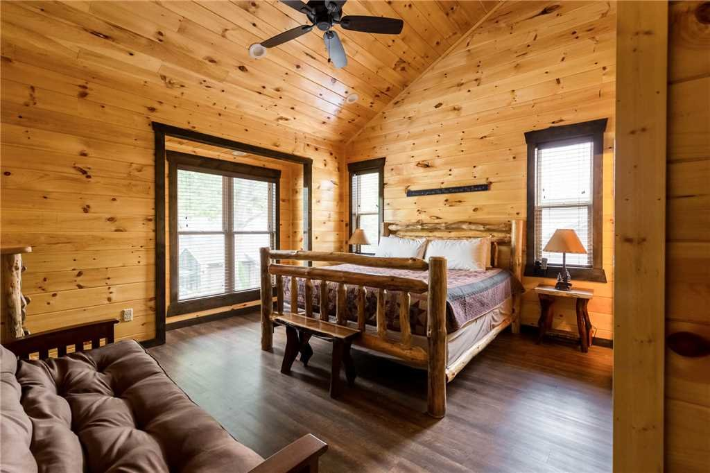 Photo of a Gatlinburg Cabin named The Great Maple Retreat - This is the twelfth photo in the set.