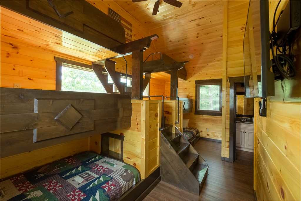 Photo of a Gatlinburg Cabin named The Great Maple Retreat - This is the seventeenth photo in the set.