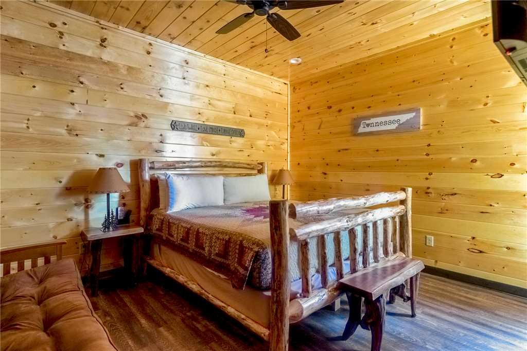 Photo of a Gatlinburg Cabin named The Great Maple Retreat - This is the twenty-seventh photo in the set.
