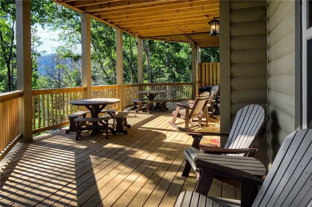 Photo of a Gatlinburg Cabin named The Great Maple Retreat - This is the forty-third photo in the set.