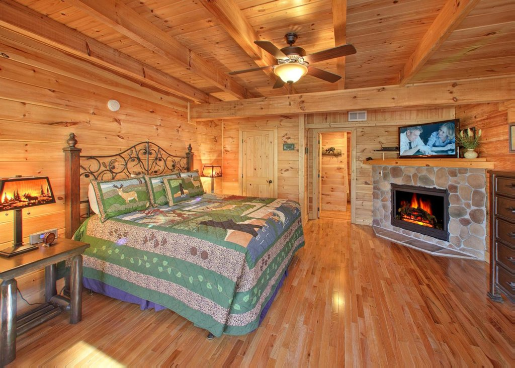 Photo of a Pigeon Forge Cabin named Misty Mountaintop #52 - This is the seventh photo in the set.