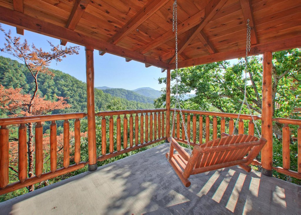 Photo of a Pigeon Forge Cabin named Misty Mountaintop #52 - This is the sixteenth photo in the set.