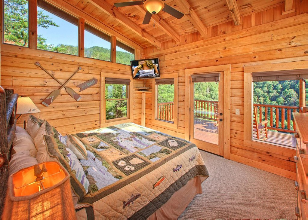 Photo of a Pigeon Forge Cabin named Misty Mountaintop #52 - This is the fourteenth photo in the set.