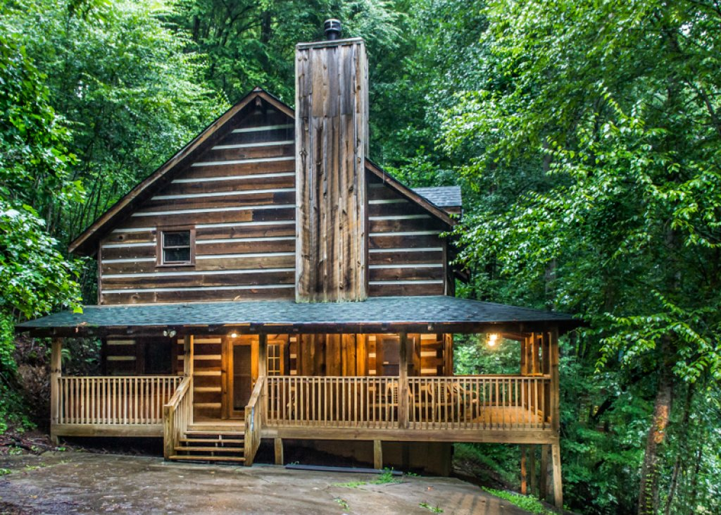 Photo of a Gatlinburg Cabin named Hatfield Hideaway - This is the first photo in the set.
