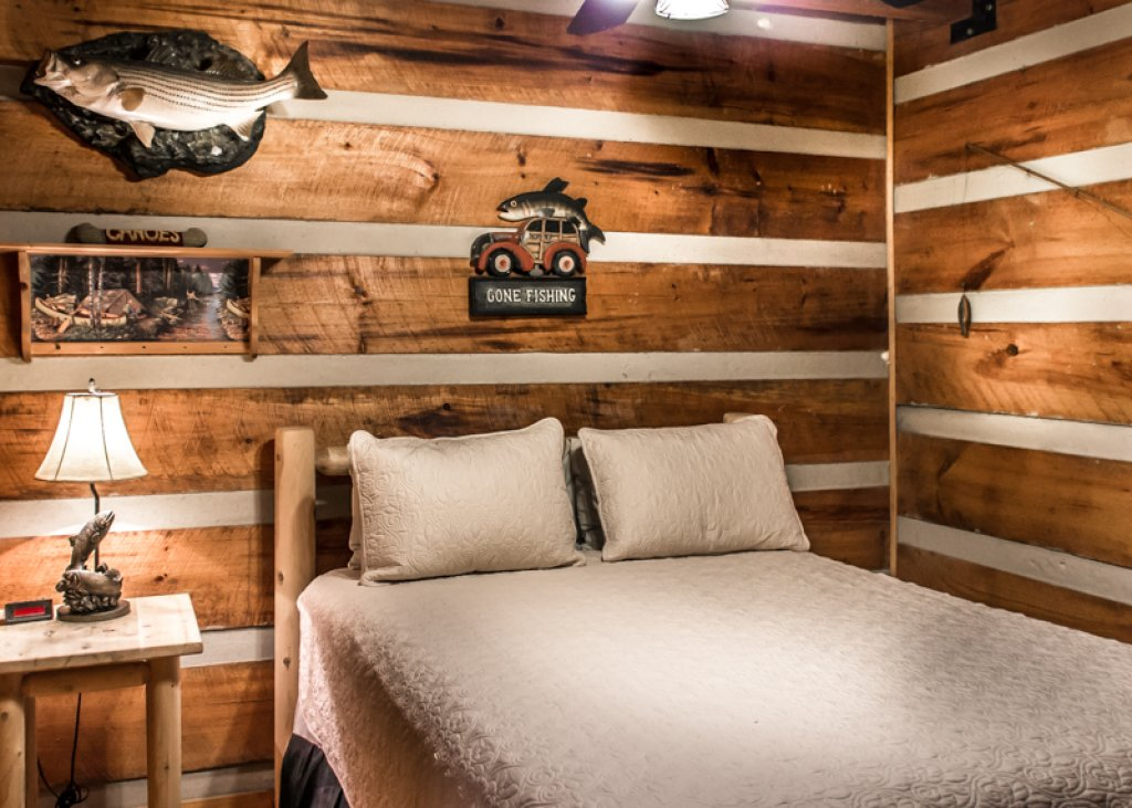 Photo of a Gatlinburg Cabin named Hatfield Hideaway - This is the seventh photo in the set.