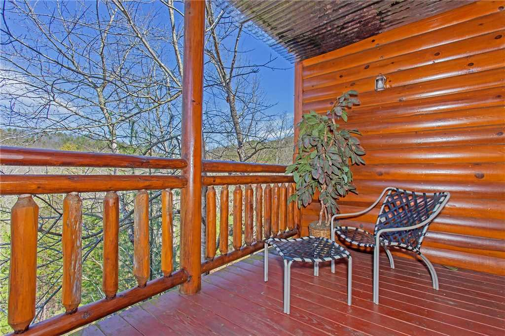 Photo of a Pigeon Forge Cabin named Bit O'honey - This is the thirtieth photo in the set.