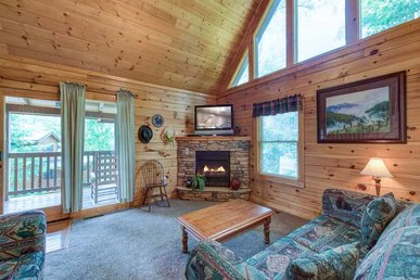 Peace 'n Quiet, 3 Bedrooms, Pool Access, Hot Tub, View, Wifi, Sleeps 10