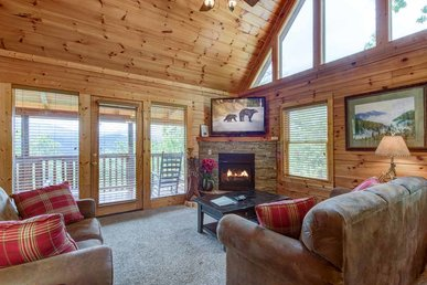Highpoint Escape, 3 Bedrooms, Mountain Views, Hot Tub, Wifi, Sleeps 10