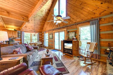 Somewhere A Place For Us, 2br, Hot Tub/spa, Air Hockey, Fishing, Sleeps 6