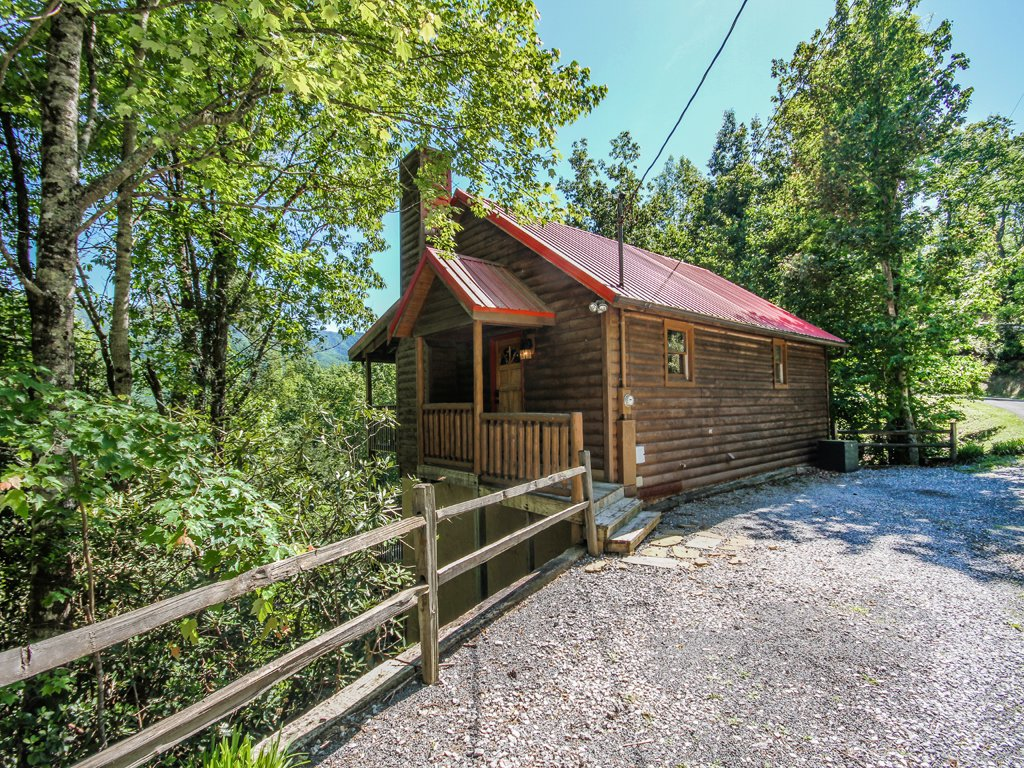 Photo of a Gatlinburg Cabin named Majestic View - This is the third photo in the set.