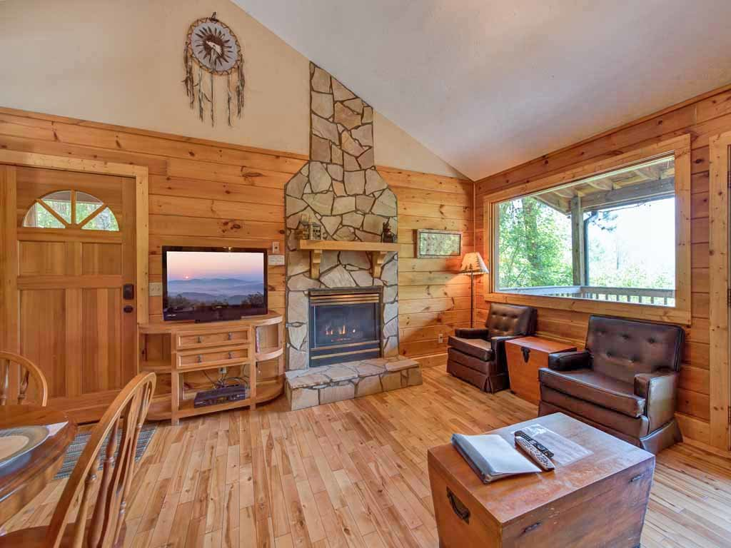 Photo of a Gatlinburg Cabin named Majestic View - This is the second photo in the set.