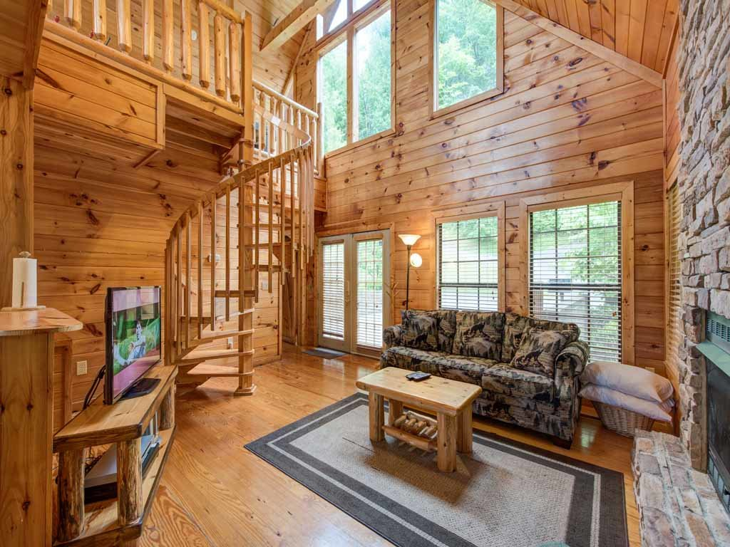 A Walk In The Clouds Cabin in Gatlinburg w/ 1 BR (Sleeps4)