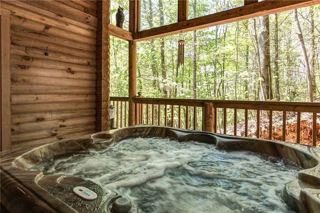 Photo of a Gatlinburg Cabin named Fawn Cabin - This is the second photo in the set.
