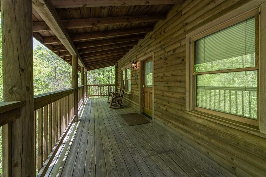 Photo of a Gatlinburg Cabin named Fawn Cabin - This is the third photo in the set.
