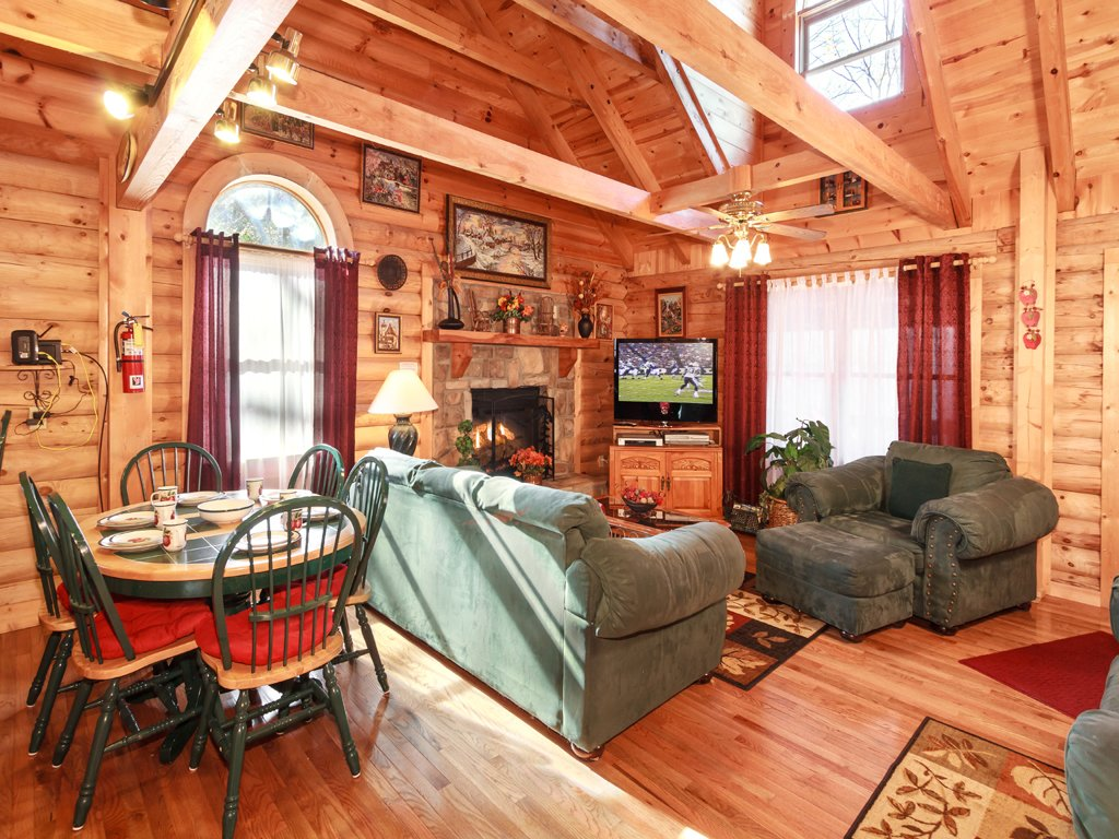 Photo of a Gatlinburg Cabin named Alpine Ski Lodge - This is the seventh photo in the set.