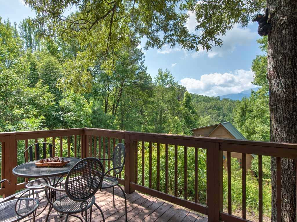 Photo of a Gatlinburg Cabin named Twilight Ridge - This is the third photo in the set.