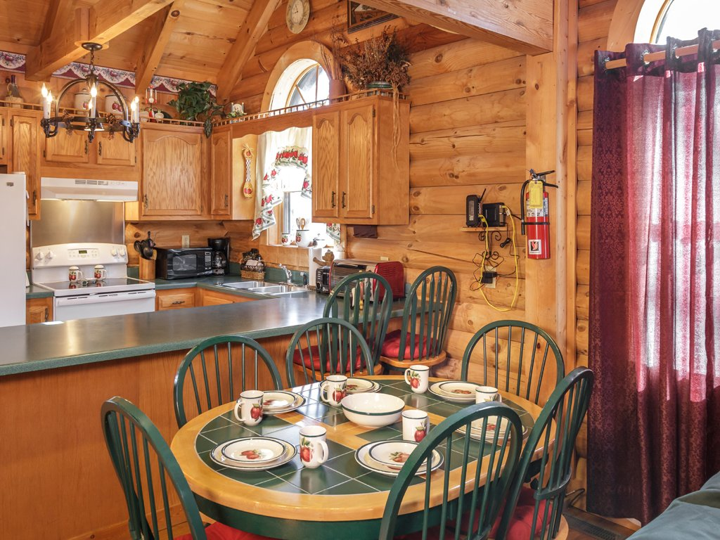 Photo of a Gatlinburg Cabin named Alpine Ski Lodge - This is the eighth photo in the set.
