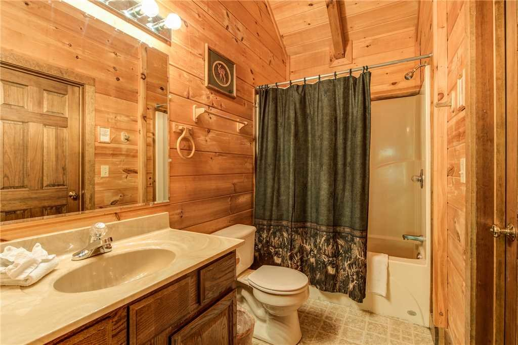Photo of a Gatlinburg Cabin named Fawn Cabin - This is the tenth photo in the set.