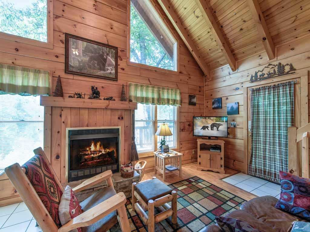 Photo of a Gatlinburg Cabin named Twilight Ridge - This is the second photo in the set.