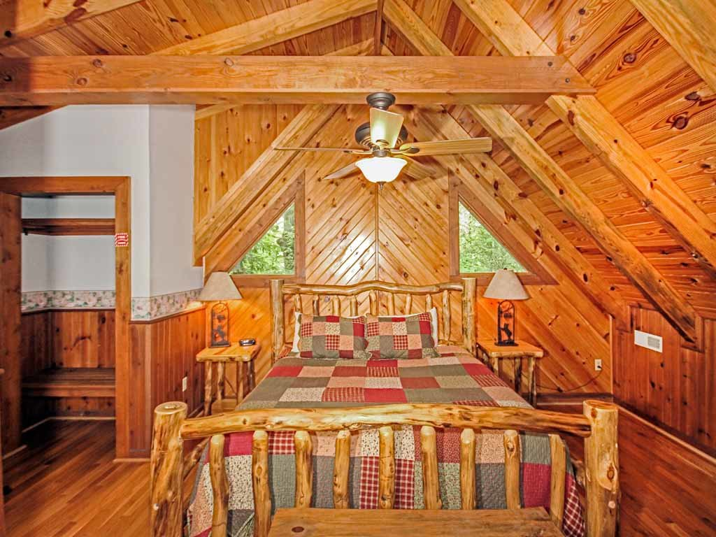 Photo of a Gatlinburg Cabin named Buckhorn - This is the fourteenth photo in the set.