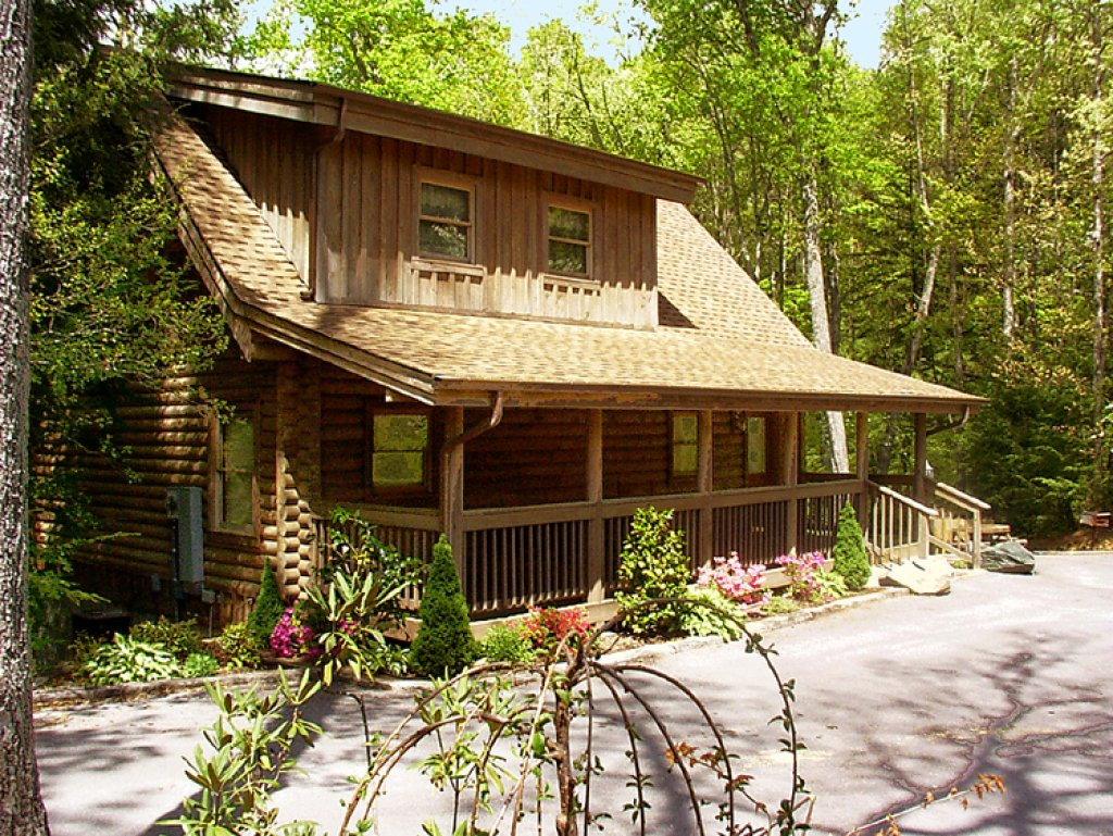 Photo of a Gatlinburg Cabin named Doe's Den - This is the thirty-first photo in the set.