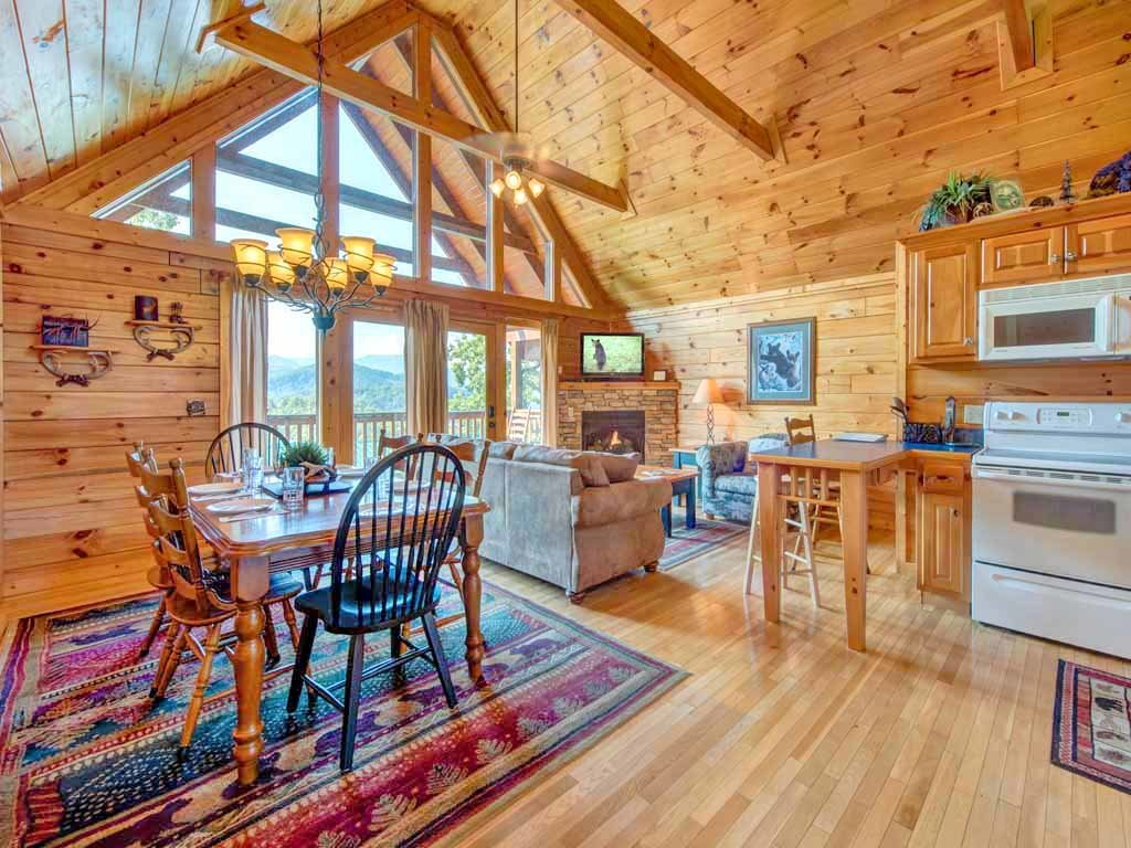 Photo of a Gatlinburg Cabin named Fireside View - This is the sixth photo in the set.