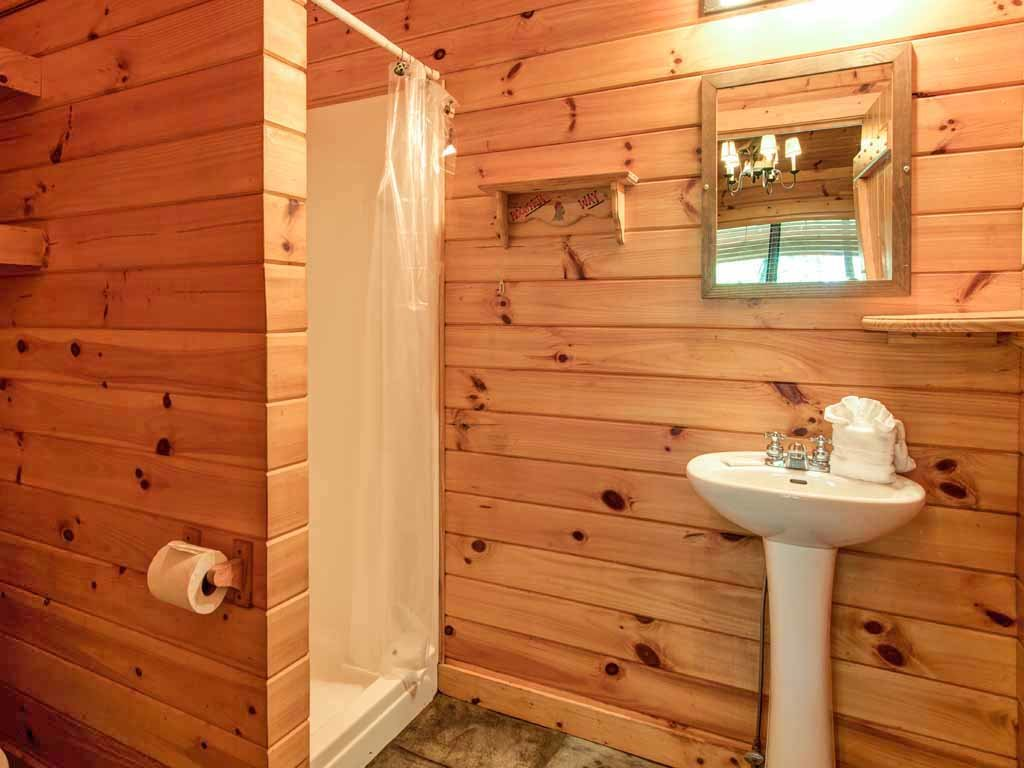 Photo of a Sevierville Cabin named Rooster Way - This is the eleventh photo in the set.