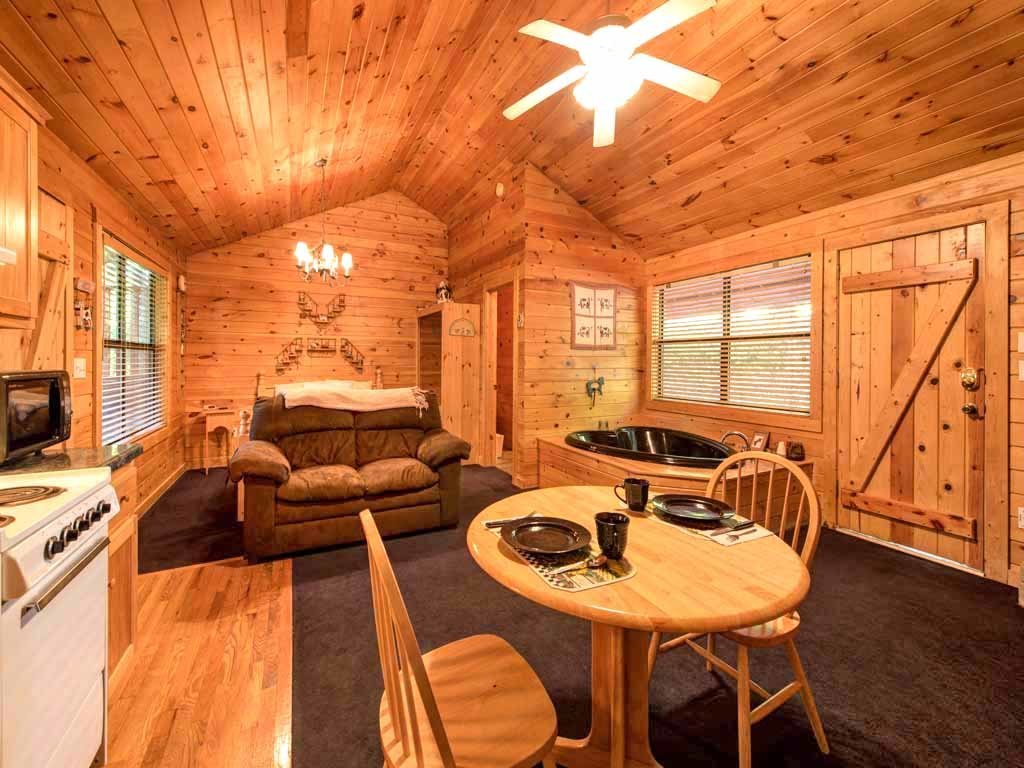 Photo of a Sevierville Cabin named Country Getaway - This is the second photo in the set.